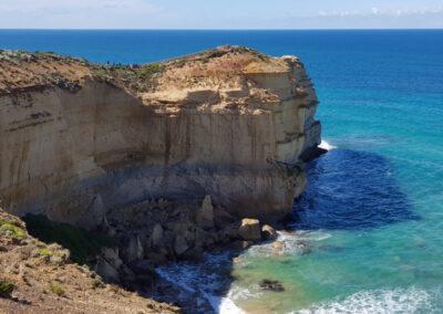 Cliff edge 12 Apostles